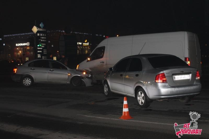 ДТП у Броварах за участю 4 автомобілів , фото-2