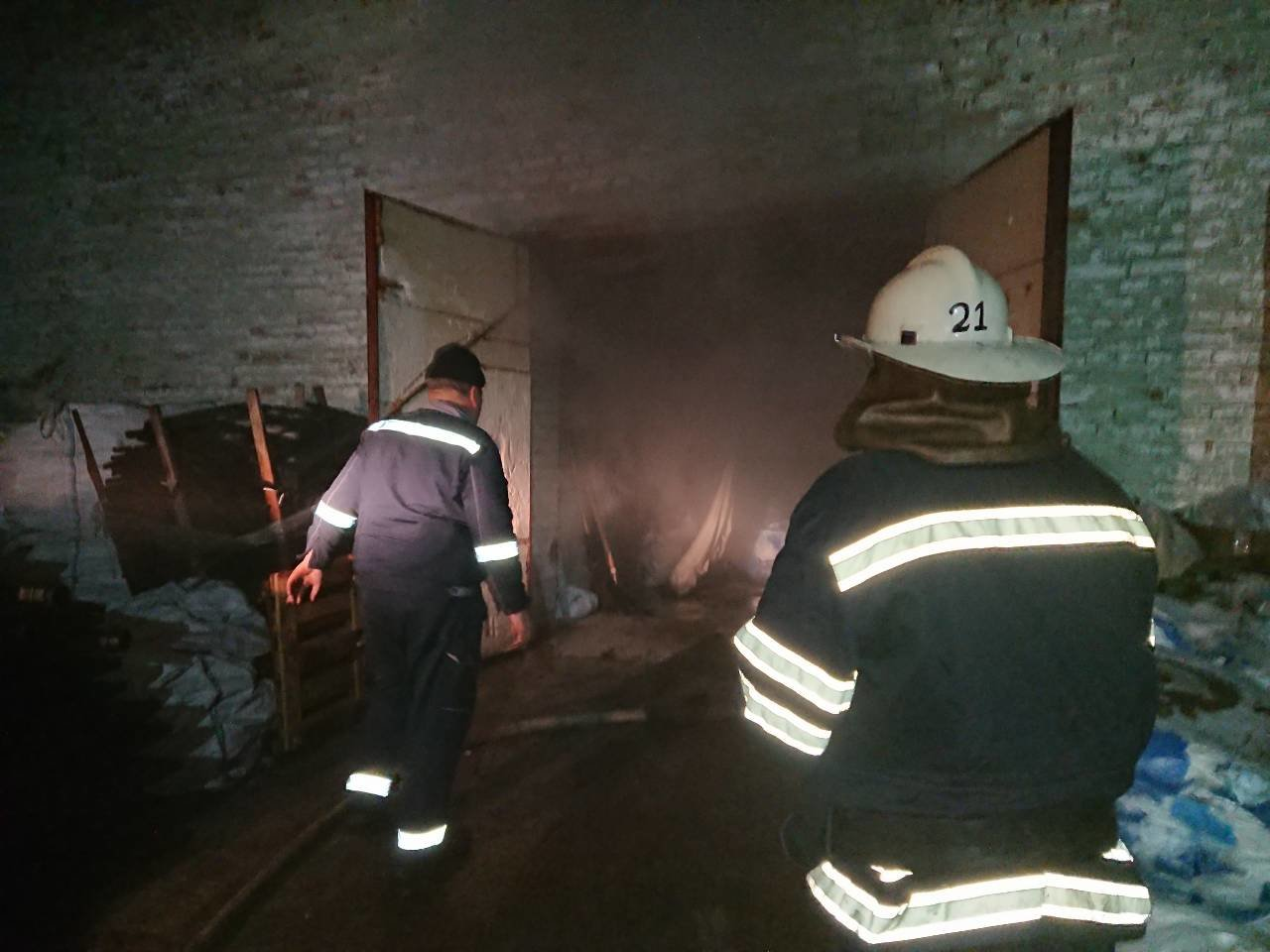 У Броварах горіла нежитлова будівля, фото-1