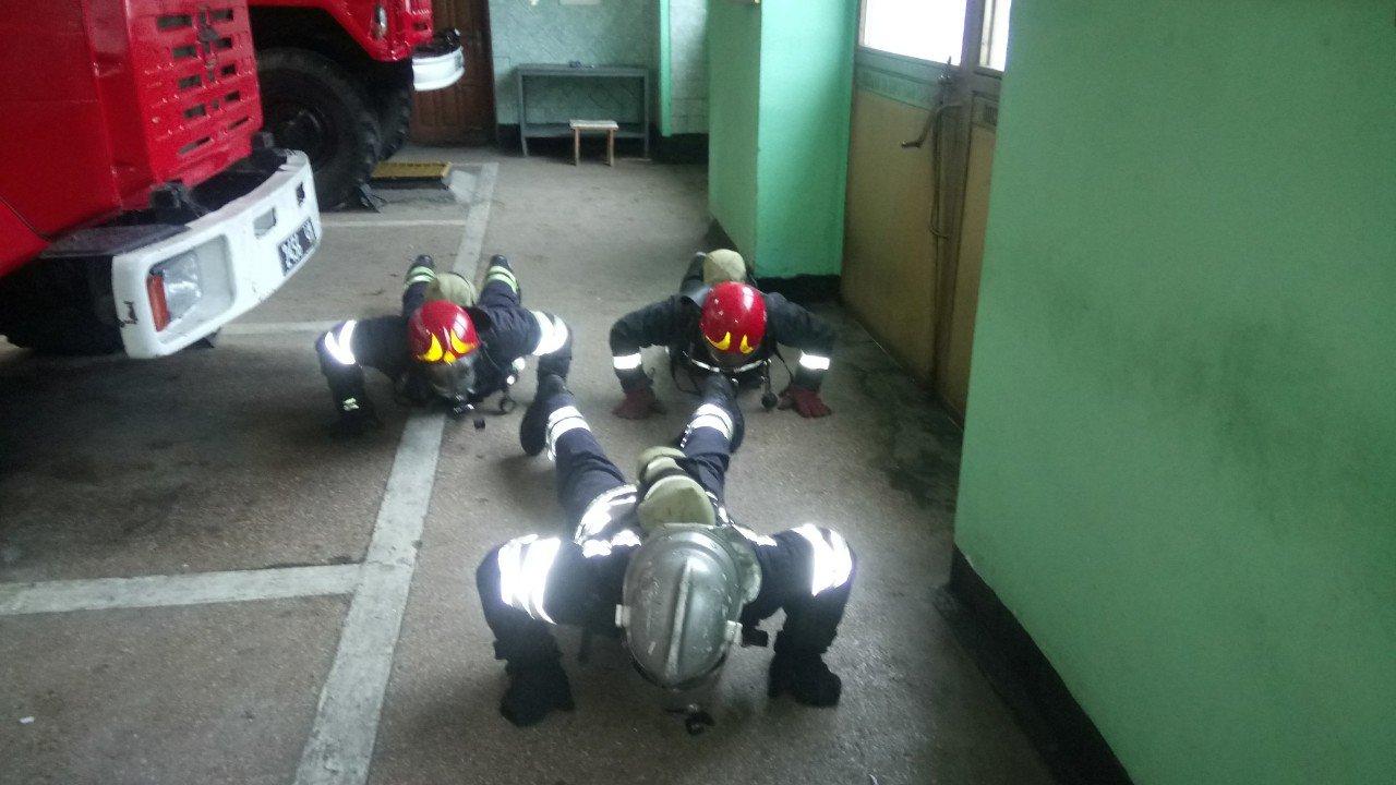 Броварські пожежники провели тренування та перевірили свої знання, фото-3