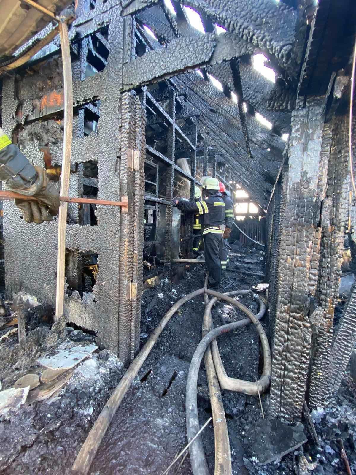 Протягом дня на Броварщині спалахнули дві будівлі, фото-1