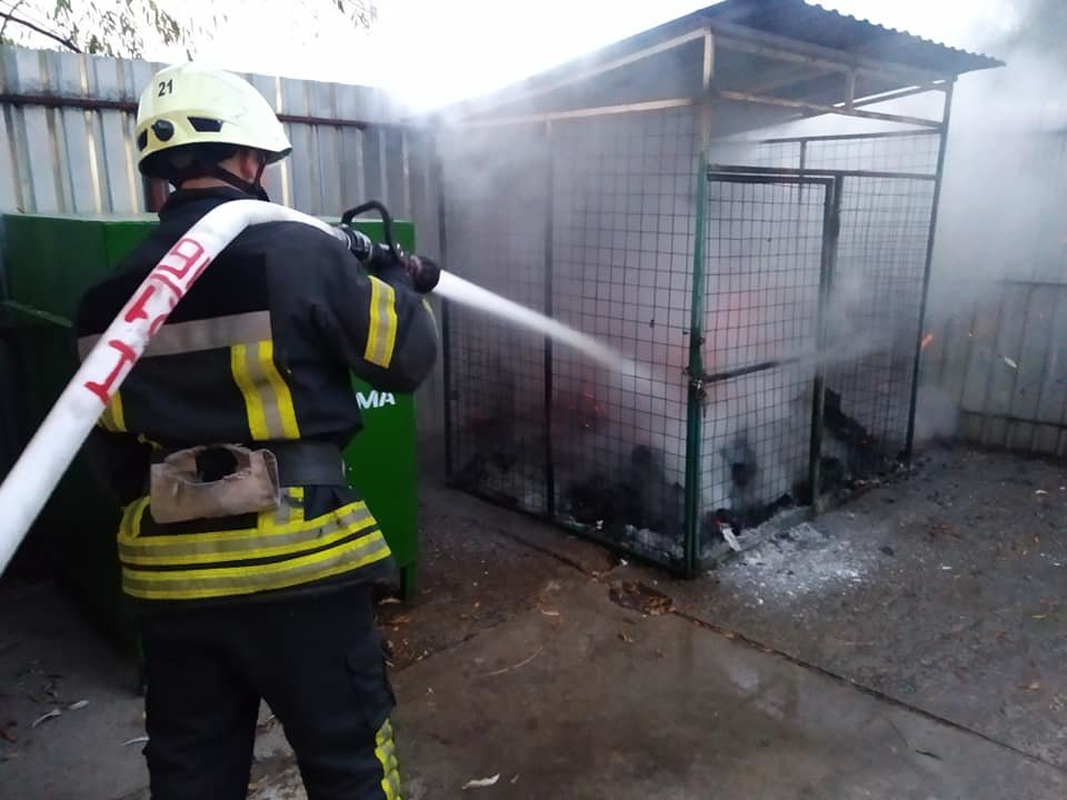 В Броварах протягом години сталися дві пожежі, фото-2