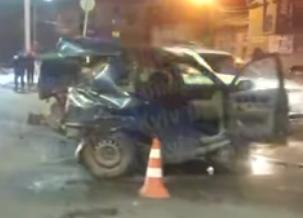 Водій ледь тримався на ногах: у Броварах внаслідок ДТП автівку розірвало навпіл, фото-1