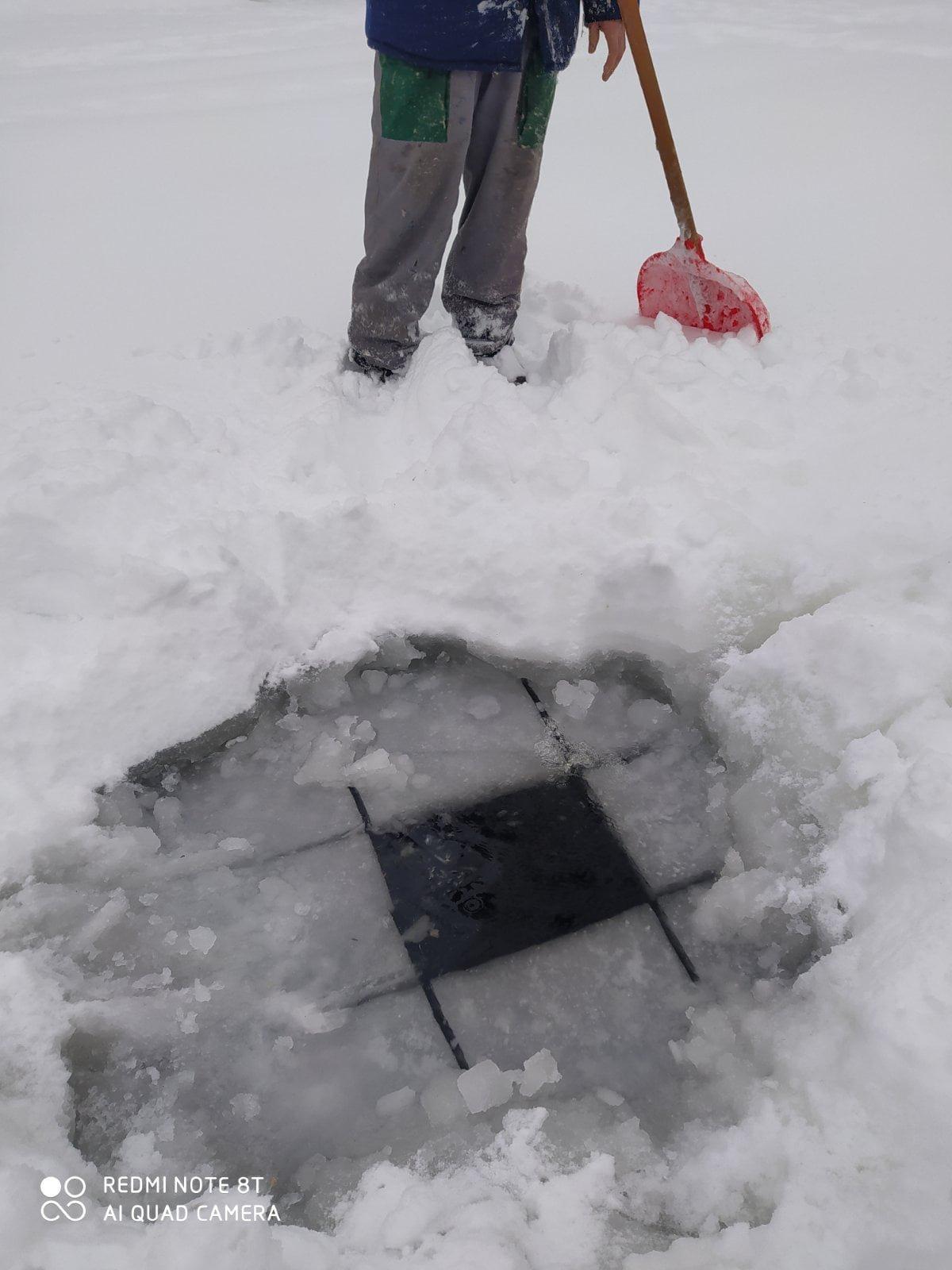 У Броварах рятують рибу в озерах, фото-1