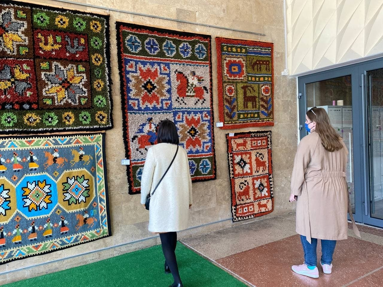 Міський культурний центр: в Броварах відкрито виставку ворсових килимів, фото-2