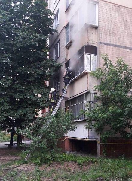 В Броварах з невідомих причин загорілася квартира, фото-1